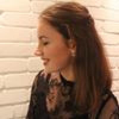 Iris zoekt een Kamer/Appartement/Studio in Amsterdam